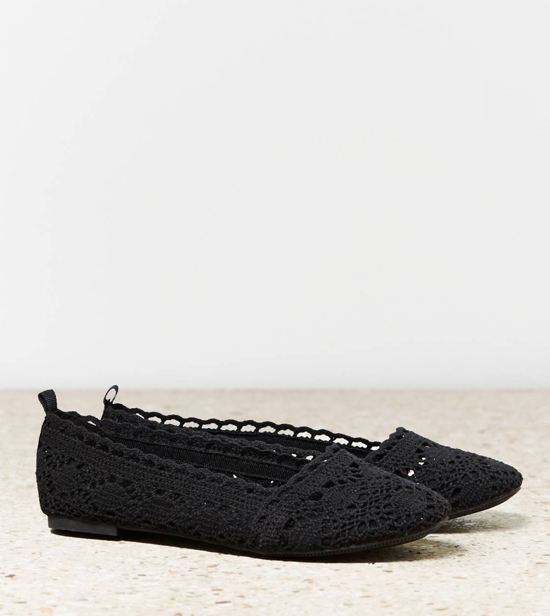 Black AEO Crocheted Flat
