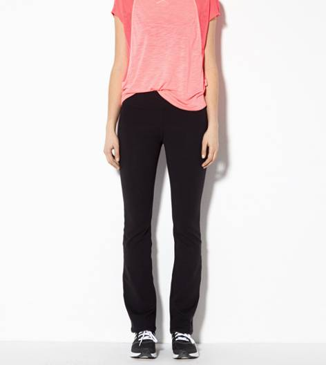 Black AEO Performance Skinny Kick Pant
