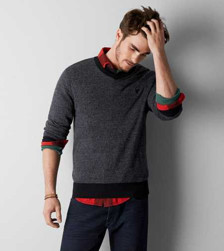 AEO Iconic V-Neck Sweater - Buy One Get One 50% Off