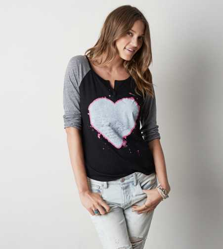 AEO Heart Graphic T-Shirt