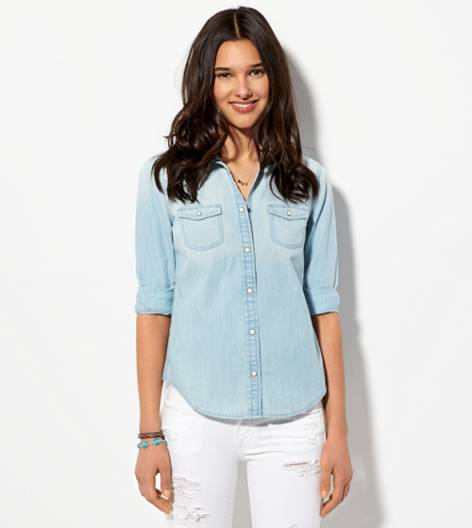Light Wash AE Chambray Boyfriend Shirt