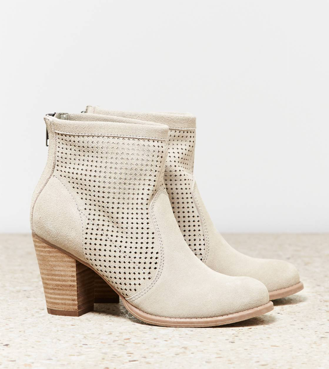 Dust AEO Perforated Bootie