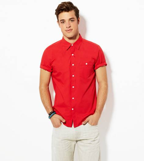 Red AEO Solid Short Sleeve Button Down Shirt
