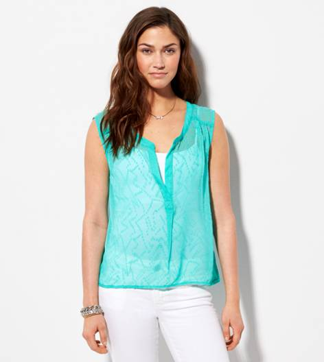 Lookbook Green AE Textured Chiffon Sleeveless Shirt
