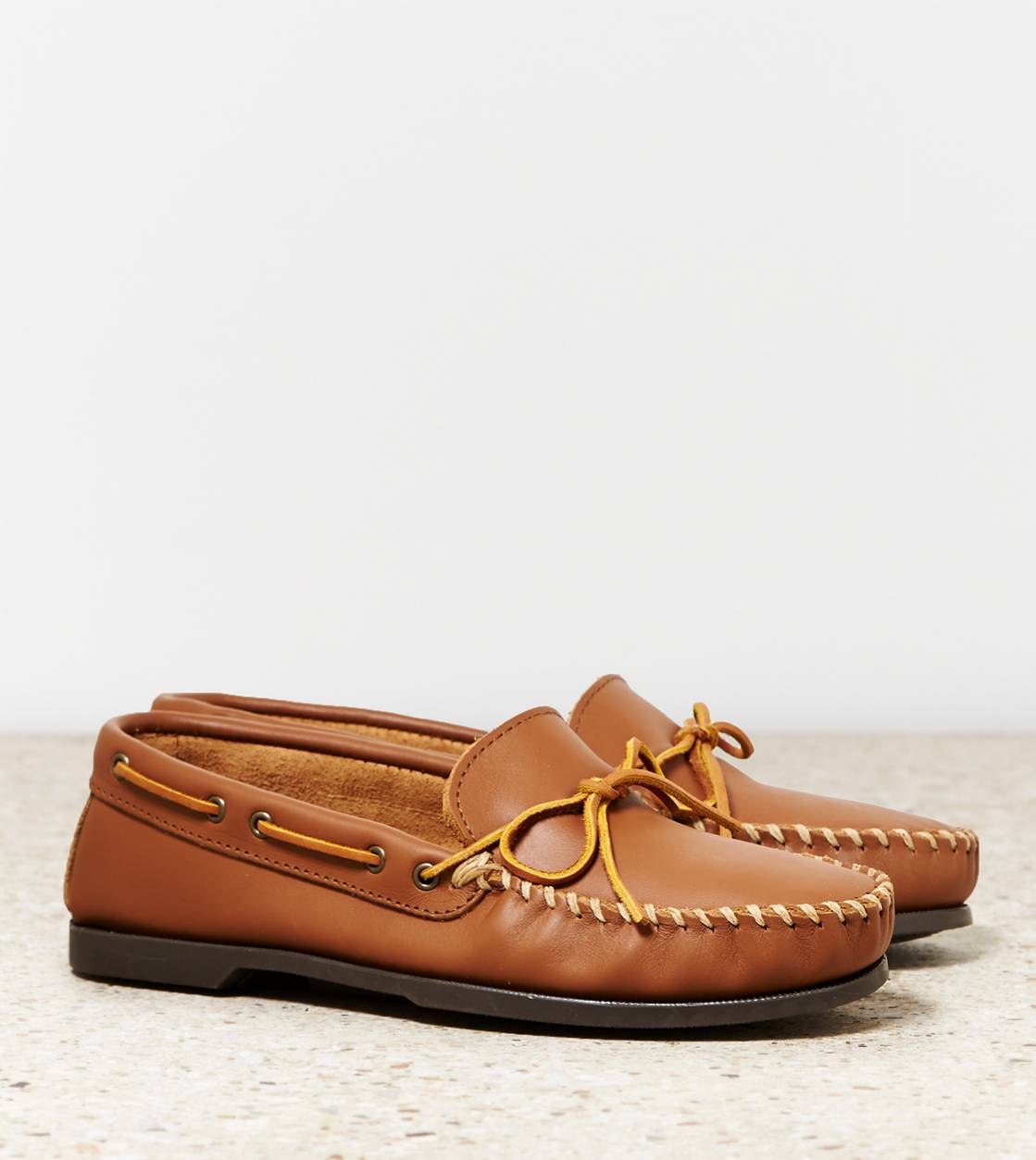 Tan Minnetonka Original Cowhide Driving Moc