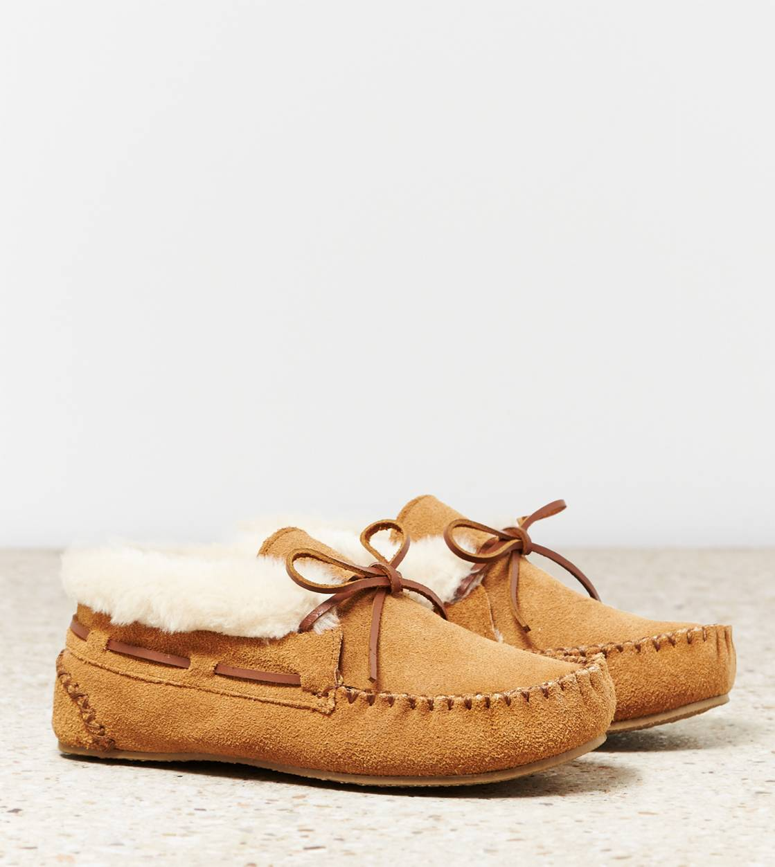 Tan Minnetonka Chrissy Slipper