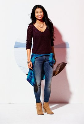 American Eagle (NYSE: AEO) announces the launch of its multifaceted Ne(X)t Level Jeans Campaign as an extension of its #AExME brand platform, which ce.