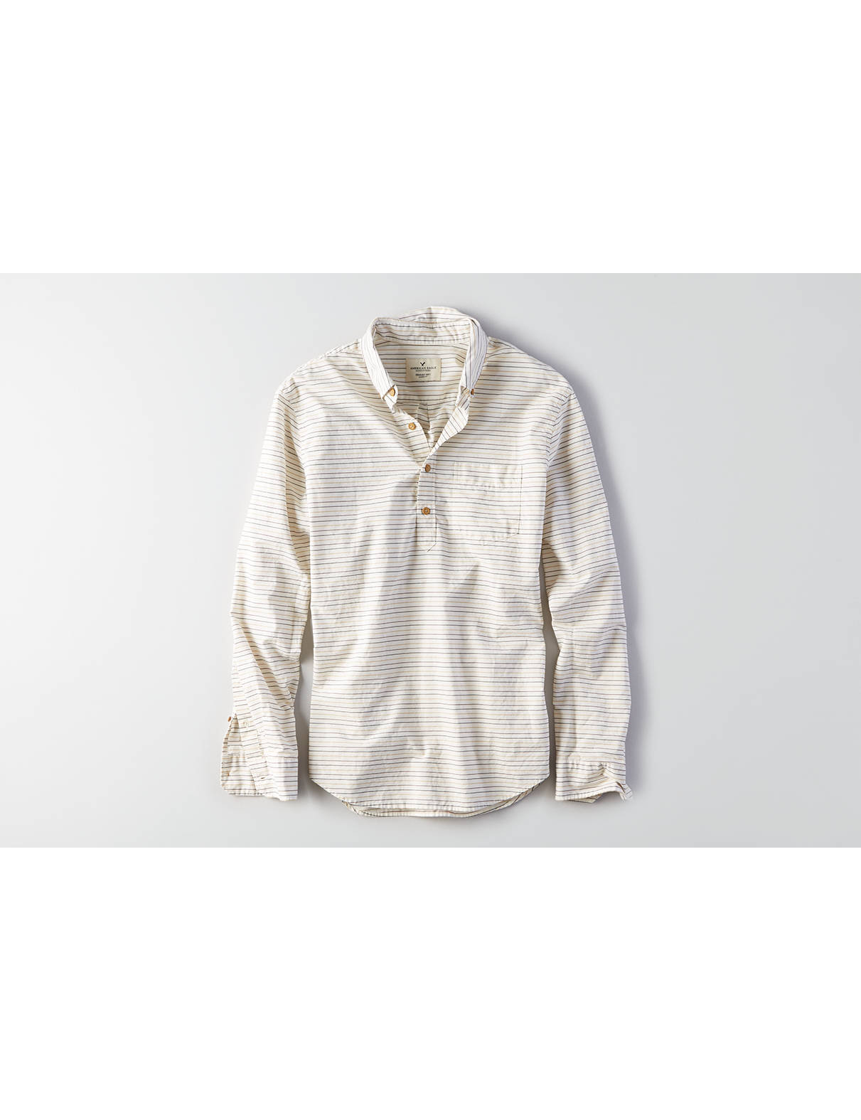 Display product reviews for AEO Poplin Popover Shirt