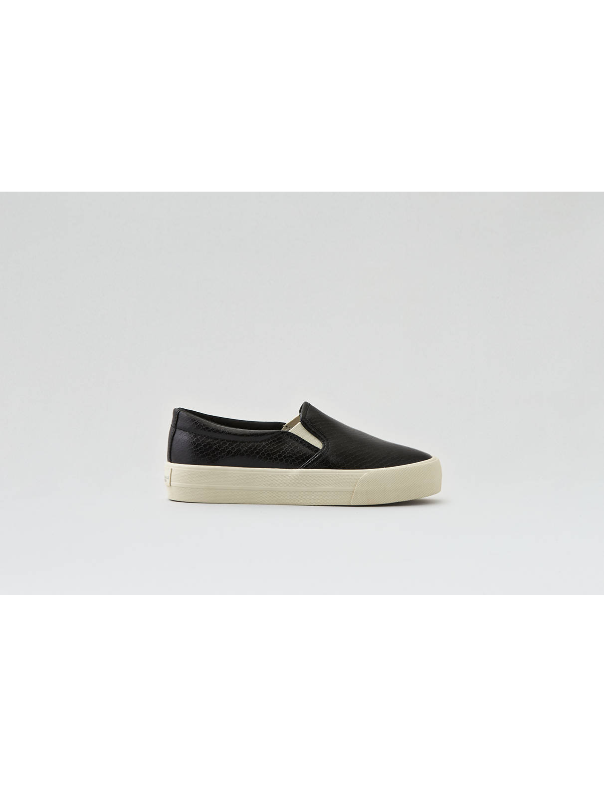 Display product reviews for AEO Slip-On Platform Sneaker