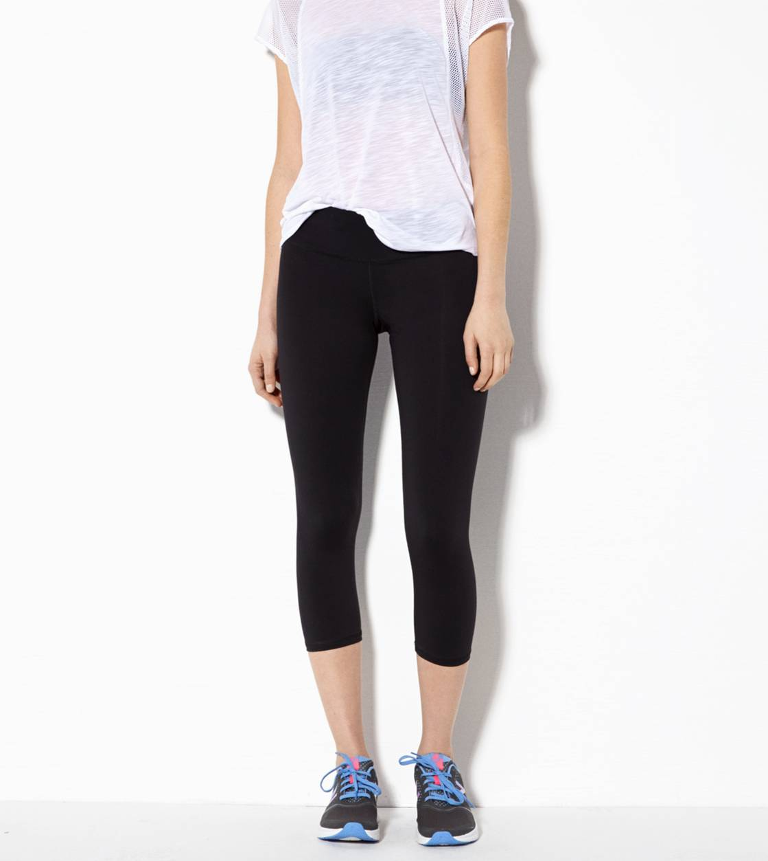 Black AEO Performance Crop Pant