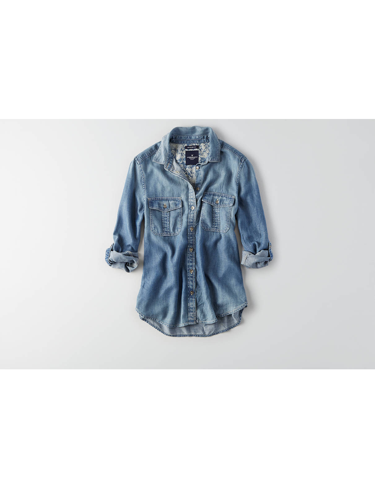 Display product reviews for AEO Double Pocket Chambray Shirt
