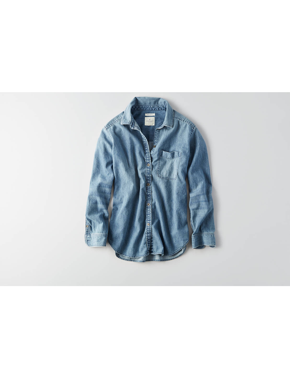 Display product reviews for AEO Oversized Embroidered Denim Shirt