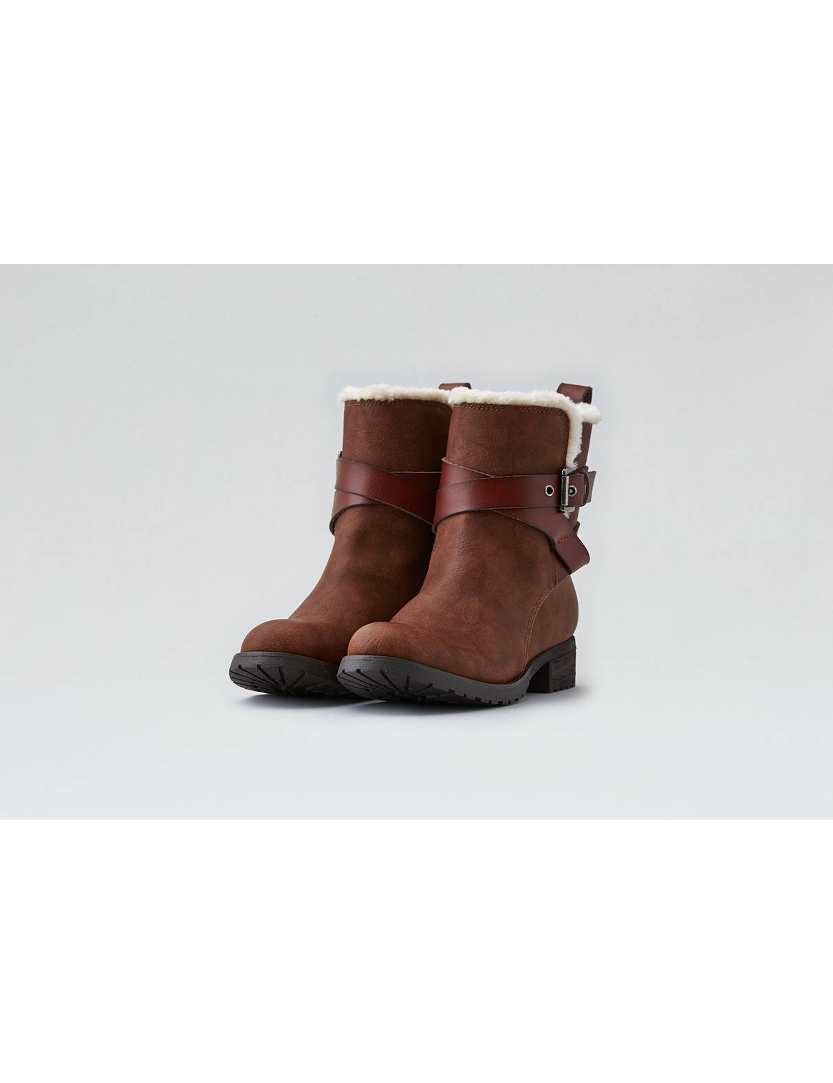 Display product reviews for AEO Buckle Strap Lug Boot
