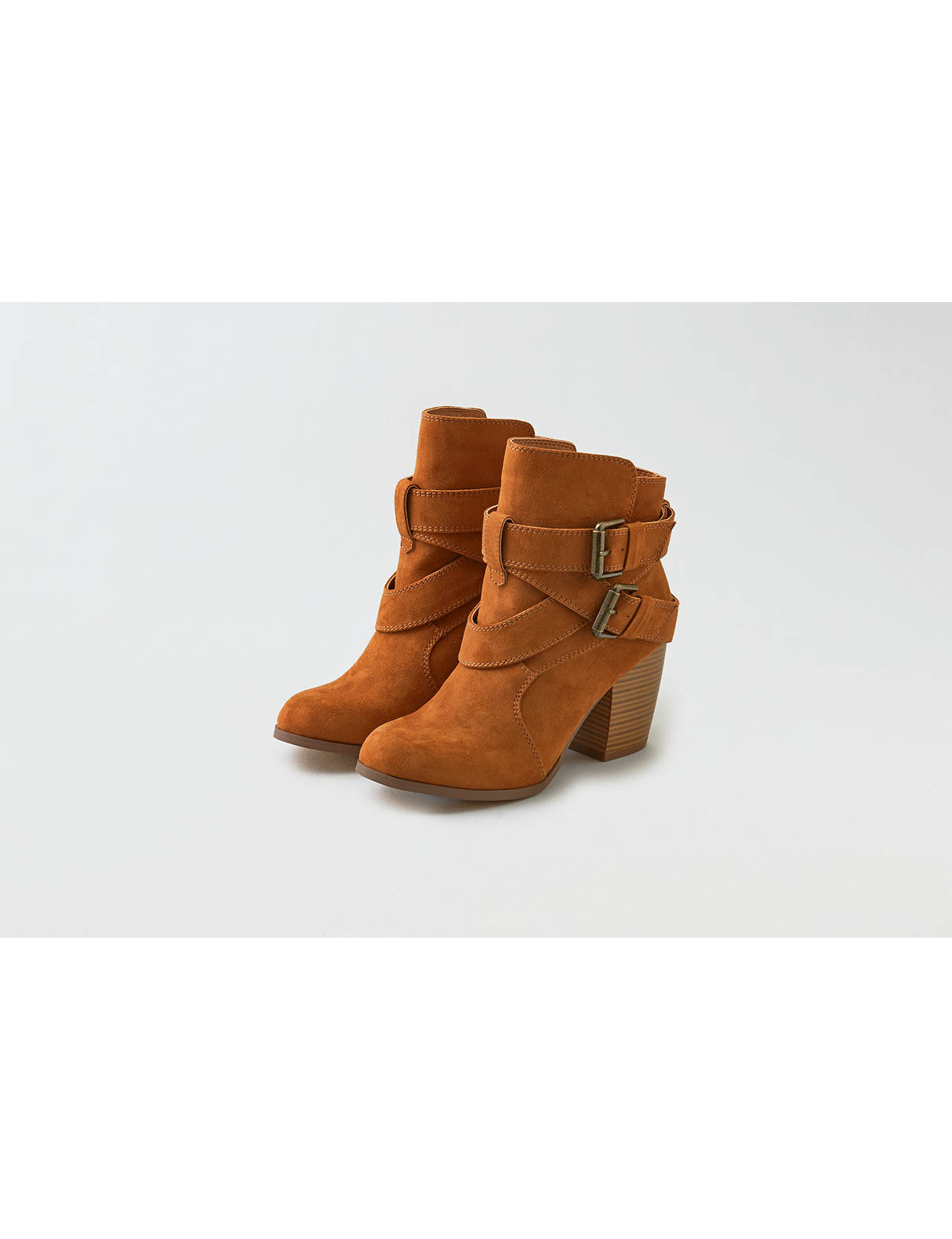 Display product reviews for AEO Buckle Heeled Boot