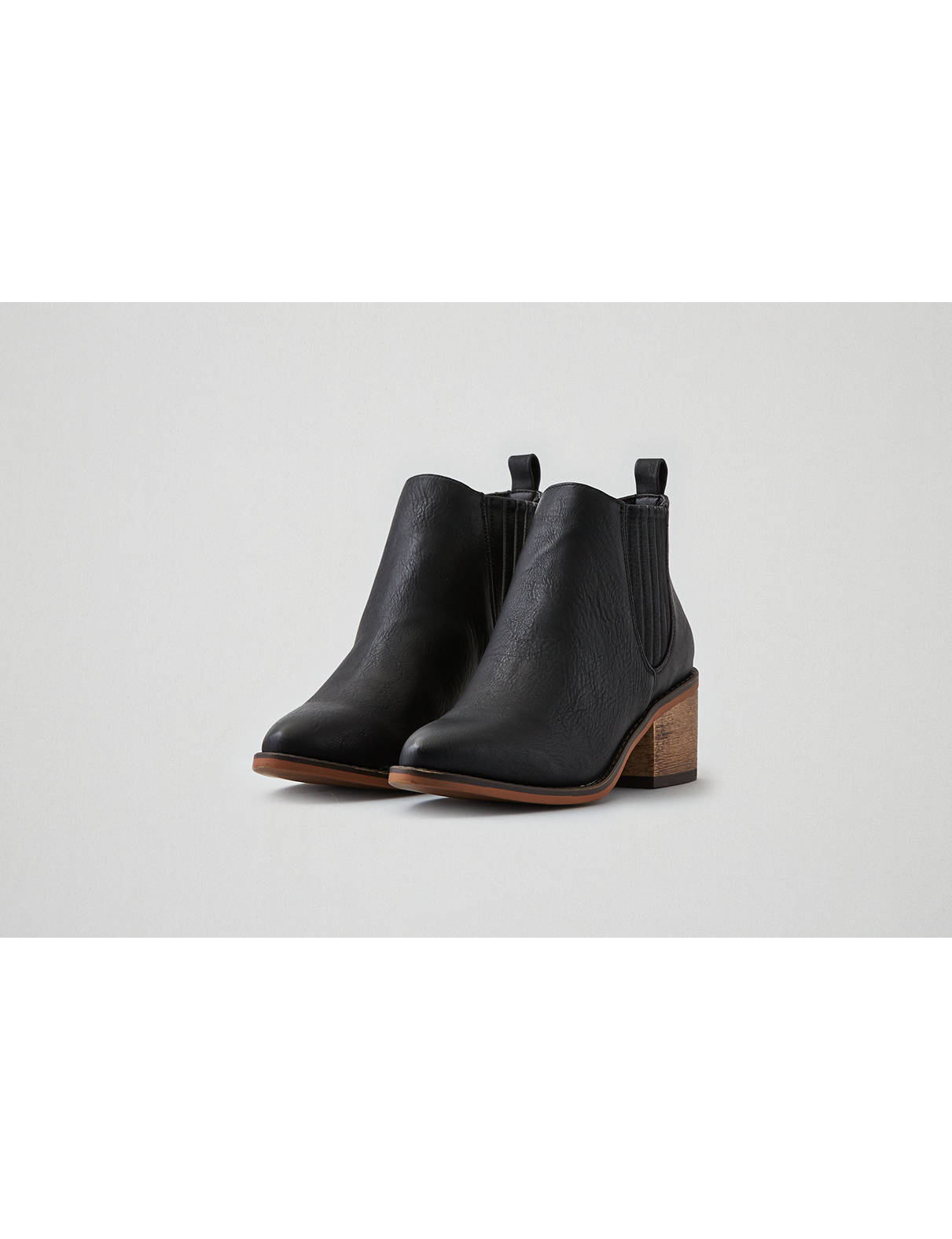 Display product reviews for AEO Chelsea Bootie