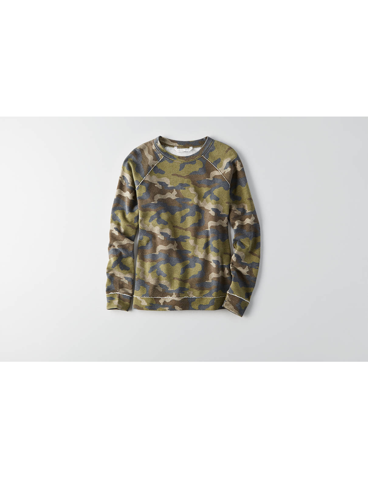 Display product reviews for AEO Camo Crew Sweatshirt